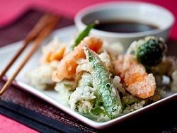 Japońska tempura - krewetki otoczone w cieście